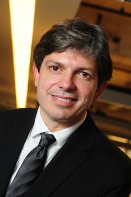 Beto Santos (José Roberto Jacob dos Santos), Adobe Anuncia Nuevo Director para Pymes y Consumidor Final para América Latina