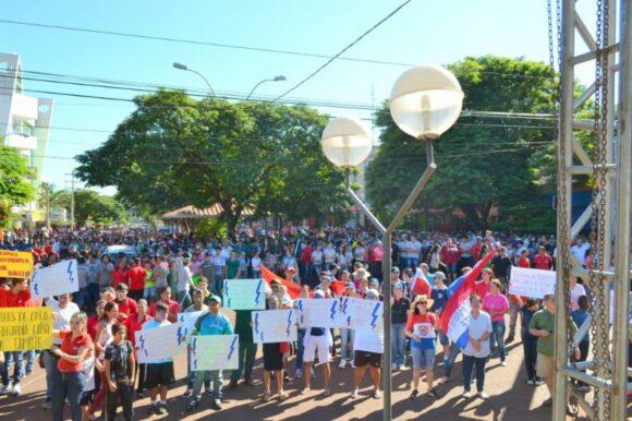 Movilizaciones en toda la frontera de Paraguay  Salto del Guaira
